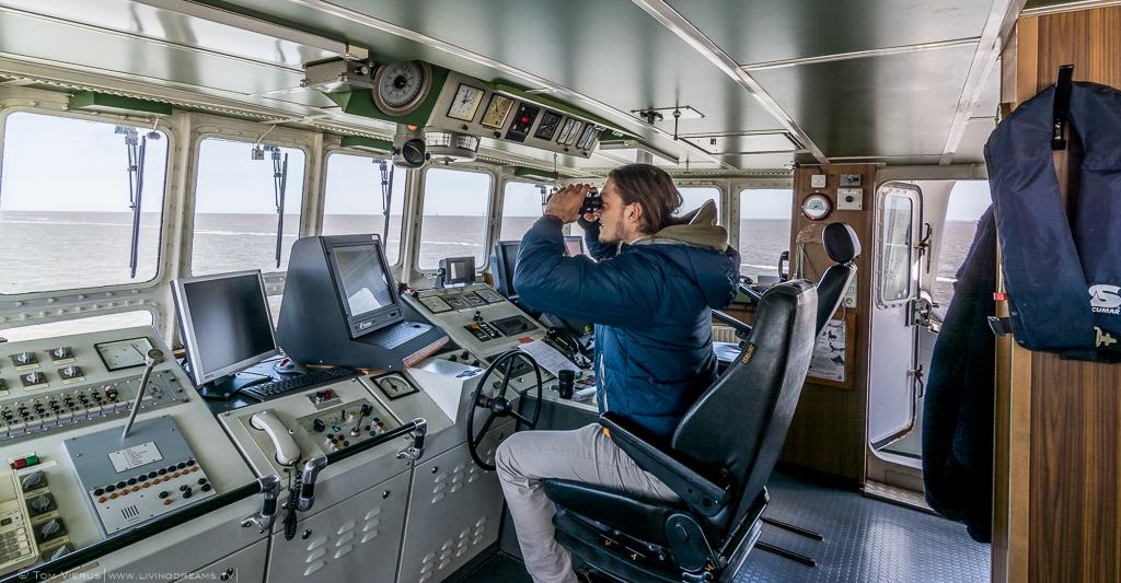Tom Vierus Research Vessel Uthörn Bridge