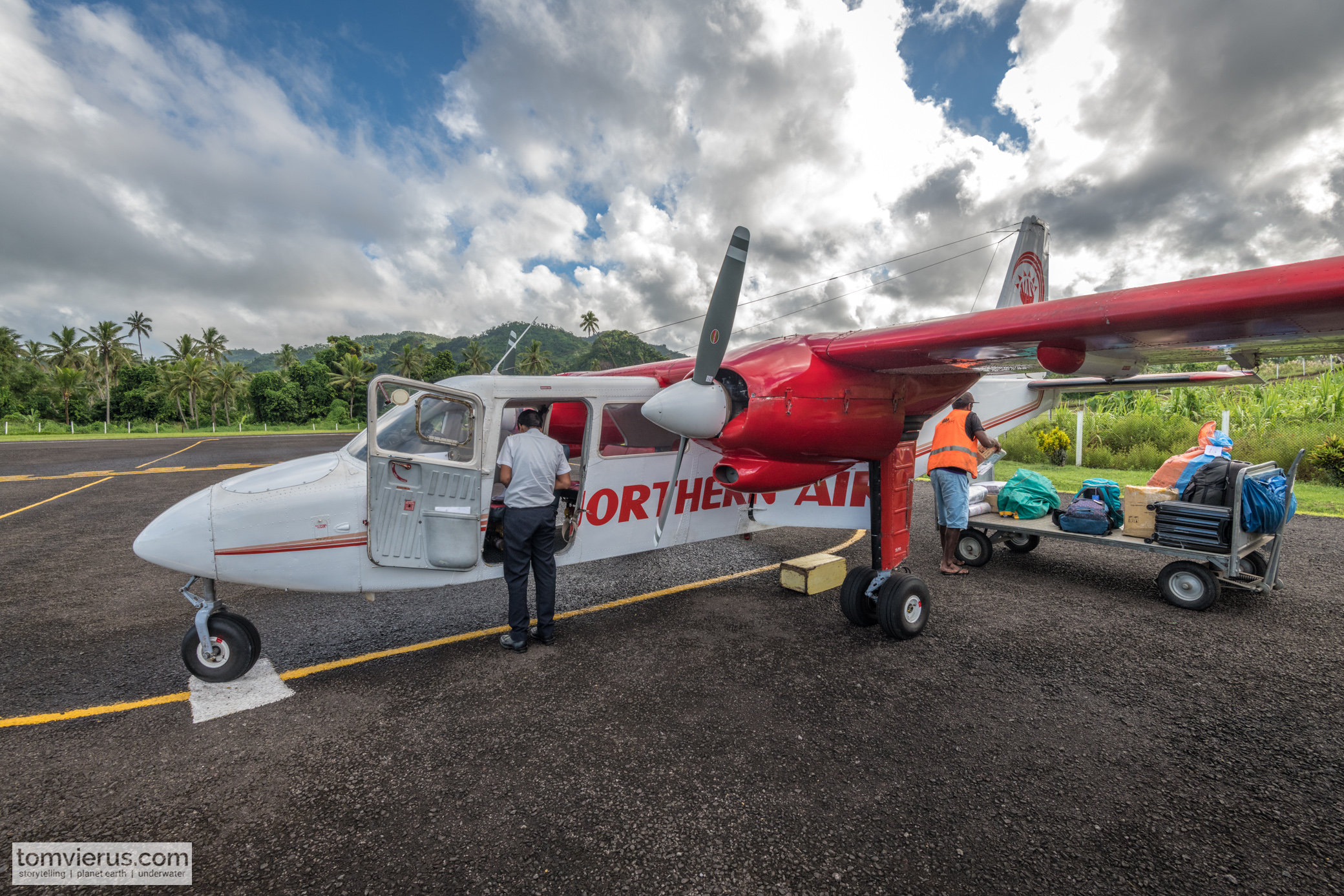 PLane, Ovalau, Suva, Expedition,